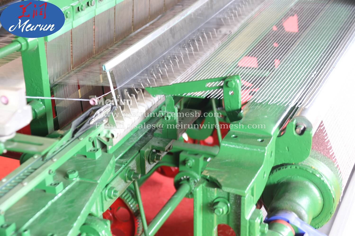 Wire Mesh Weaving Fiberglass Weaving Machine