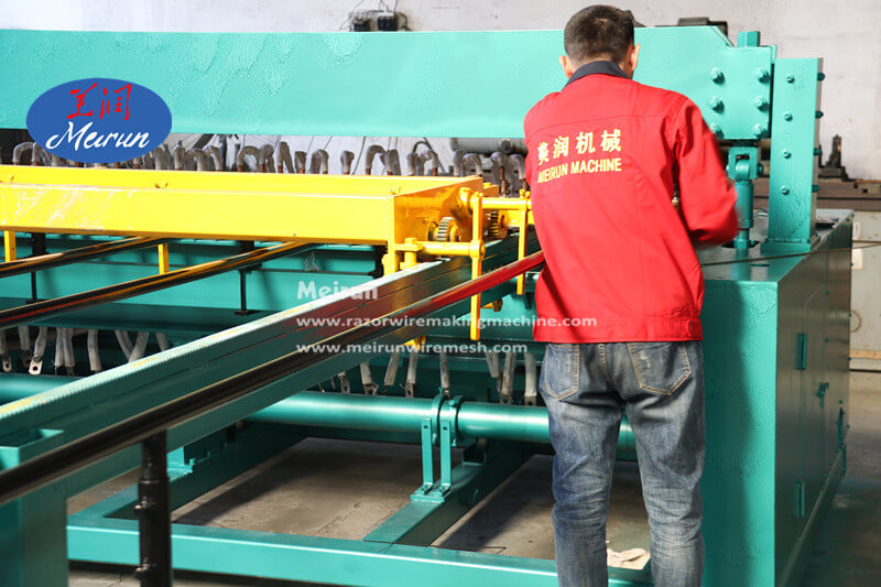 358 Prison Welded Wire Fence Mesh Machine