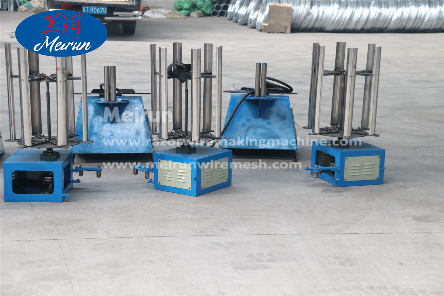 Barrier concertina razor barbed wire fence making machine